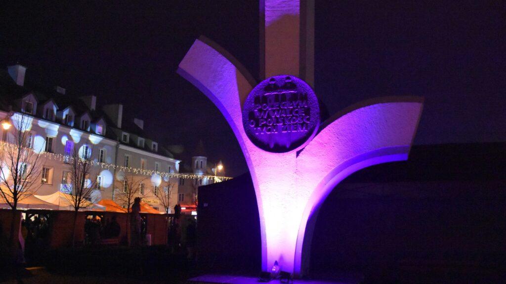 Pomnik na placu wolności