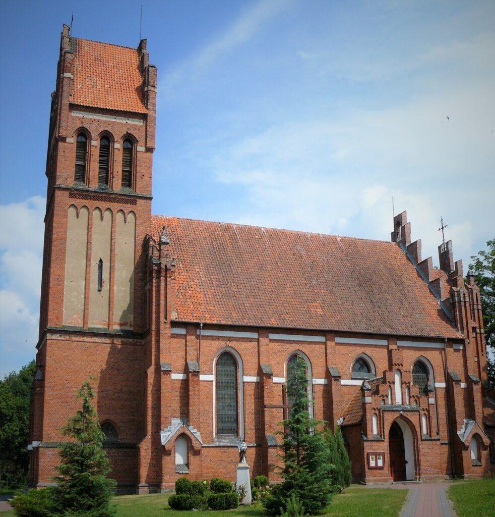 Kobułty neogotycki kościół