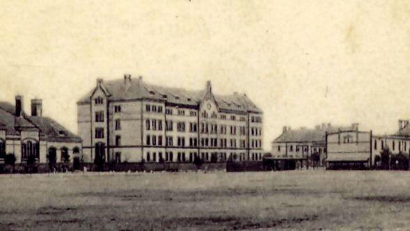Historyczne zdjęcie koszar