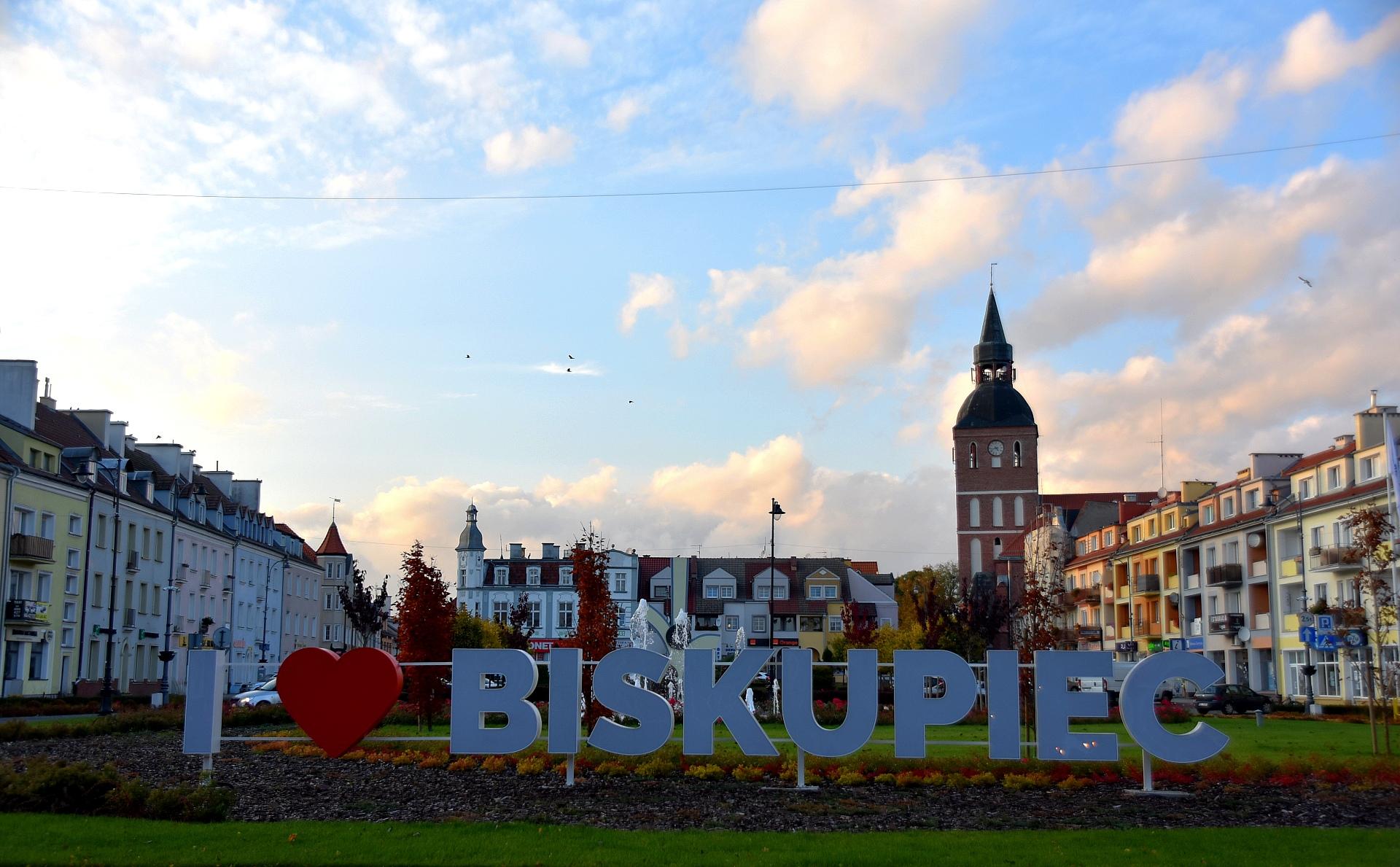 Zdjęcie przedstawiające napis kocham biskupiec