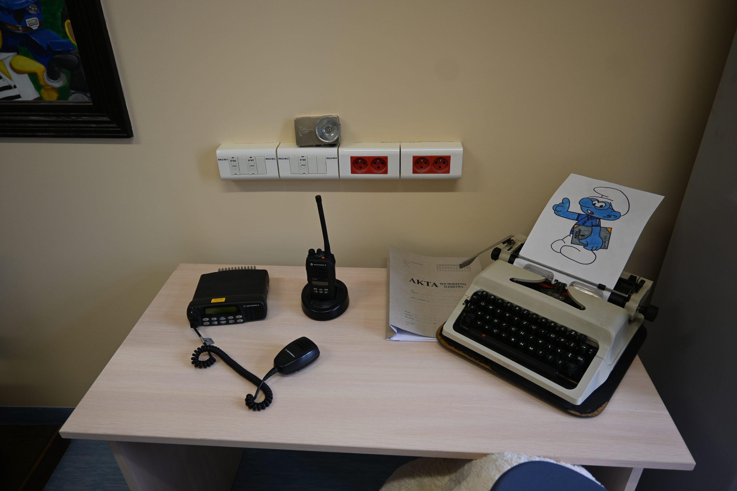 radiostacja i maszyna do pisania