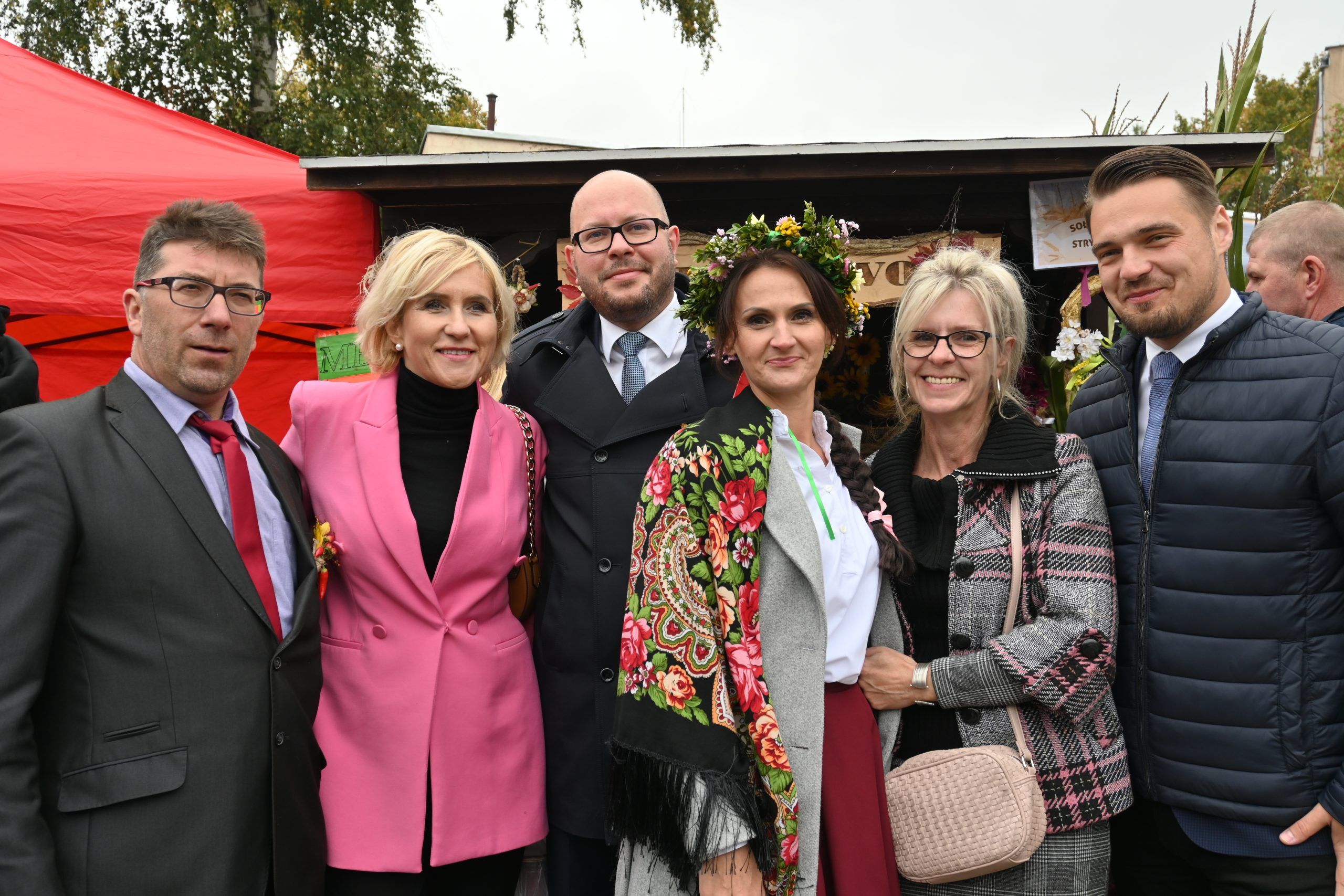 Burmistrz Biskupca z zaproszonymi goścmi